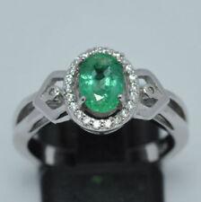Anelli di lusso con gemme naturale smeraldo in oro bianco