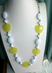 JEWELLERY PRETTY NECKLACE LIME YELLOW & WHITE GEOMETRIC BEADS 276