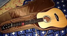 TAYLOR  Baby Spruce 3/4 Acoustic Guitar comes with carrying bag