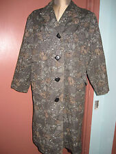 Vintage 1960's taffeta grey garden mum & berries formal coat
