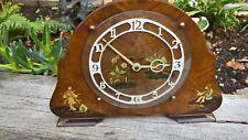 Orologio orientali lavorare con bella pittura su stand SUPERBA