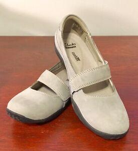 Clarks Womens Shoes Haley Skylar Mary Jane Comfort Flats Grey Nubuck.  Size 6M.