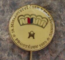 1985 Czechoslovakia 19th National Championships Parachuting Skydiving Pin Badge