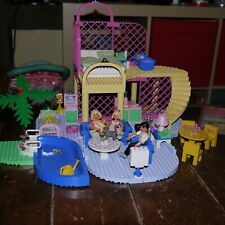 Lego Belville 5890 vintage dolls house with 3 poseable figures, animals &more