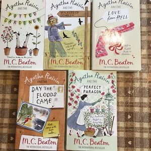 Agatha Raisin - 5 books easy reading crime