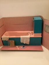 1968 Pedigree Sindy Doll 'Bath' & Accessories (Ref.12SA12). Boxed Set