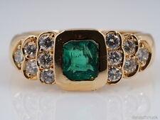 RING mit 1,60 Karat BRILLANTEN und SMARAGD / 750 GOLD