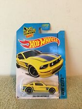 New 2013 Hot Wheels City 2005 Ford Mustang GT