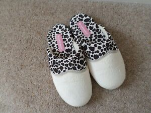 DUNLOP LADIES HARD SOLE SLIPPERS SIZE 6  NEW !!