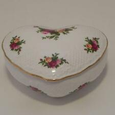 Old Country Roses Royal Albert 1962 Covered Heart Dish