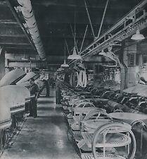 ITALIE c.1947 - Ouvriers Vulcanisation Pneus Vélo Usine Pirelli Milan- Div 11237