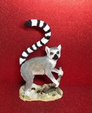 COUNTRY ARTISTS LEMUR ORNAMENT - SOLITARY CA03531 BOXED