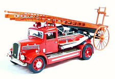 DENNIS LIGHT FOUR FIRE ENGINE 1938 Red 43011 fire feuer Yat Ming 1:43 New!