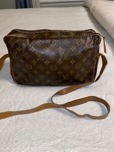 Vintage Louis Vuitton Monogram Crossbody Bag My Poupette Authentication