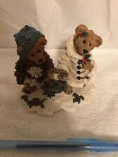 Pre-Owned Boyds Bears & Friends #2240 Edmund & Holly Gathering Holly
