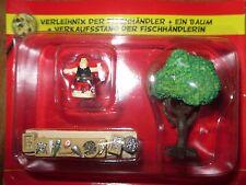 Asterix /Das gallische Dorf/Verleihnix + Baum + Verkaufsstand /Hachette/Neu