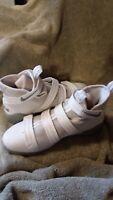 Boys Nike Zoom Lebron Soldier 11 shoes sz 7Y white/gray