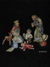 +# A010850_01 Goebel Archiv Muster Heilige Familie mit Gratulanten HX237 Plombe