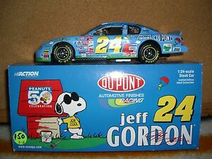 1/24 Action 2000 Jeff Gordon #24 Peanuts Dupont