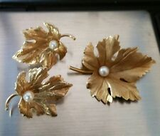 Estate 14kt solid gold and pearl pin and earrings set 7.2 gr Beautiful!