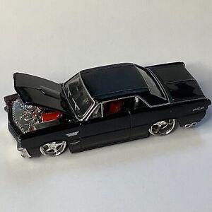 Maisto 1965 Pontiac GTO black diecast car 1/64 tyres and boot missing