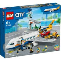 LEGO City Airport 60262 POPPY Airplane Terminal Pilot NEW Fast Shipping 🚚💨