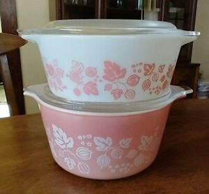Vintage PYREX Set of 2 Pink Gooseberry Casserole Dishes WITH LIDS