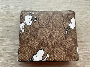 Coach X Peanuts 3-In-1 Wallet In Signature Canvas With Snoopy Print