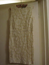 Cream Floral Lace Short Zara Dress with Open Back in Size L / Size 12
