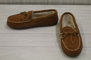 Minnetonka Pile Lined Hardsole 3902 Moccasin Slippers, Men's Size 9 M, Brown