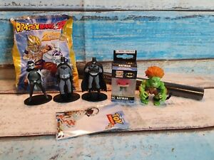 Collectable Figures Bundle batman, Funko key chain, Dragonball, Street fighter.