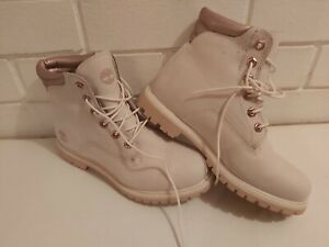 TIMBERLAND🐎 ROSE GOLD TRIM LEATHER LADIES 40 BOOTS