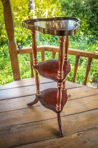 Vintage - Plant Stand Pedestal - Jardiniere - Wooden - 3 Three Tier