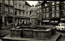 Maastricht alte Ansichtskarte 1966 gelaufen 't Mooswief Brunnen Hotels Auto