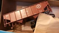 Athearn HO BB 40' Twin Rib Side Hopper Kit, Delaware & Hudson, NIB
