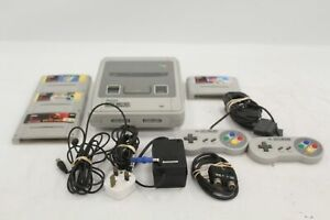 NINTENDO Super NES PAL Gaming Console Bundle With 2x Controllers 4x Games - E35
