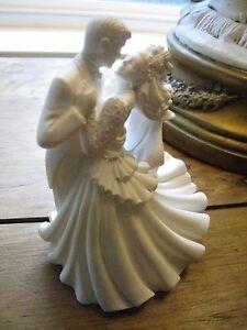 BRIDE & GROOM FIRST ROMANTIC DANCE *WILTON BIANCA WEDDING CAKE TOPPER