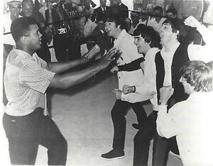 THE BEATLES & MUHAMMAD ALI 8X10 PHOTO BOXING PICTURE MUSIC