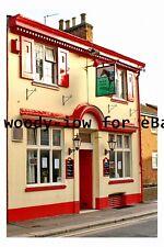 pt9946 - The Black Horse Pub , Luton , Bedfordshire in 2006 - photograph