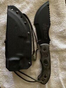 Tops Tom Brown Tracker Knife G-4082  W/ Sheath OAL 11 3/4 inch 1/4 Inch Thick