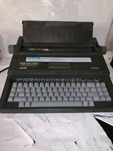 Olivetti RT-5400 Typewriter - Please Read