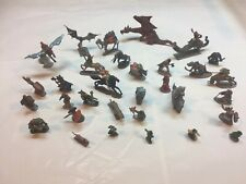 Dungeons & Dragons Miniatures 1979-1985 lot of 34 lead figures