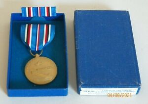 WWII AMERICAN CAMPAIGN SERVICE MEDAL & RIBBON~MINT IN ORIG BOX~WON'T FIND NICER!