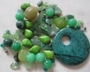 150 x GREEN GEMSTONE BEADS & CHIPS SELECTION CRAFTS JEWELLERY MAKING