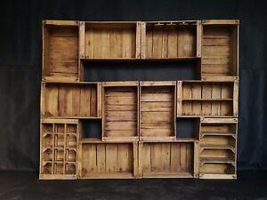 Cassette di legno verniciate,artigianali,arredo wine bar modulare.