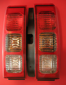 Hummer H3 Taillamp Taillight SET Left and Right Genuine OEM Factory 2007 to 2010