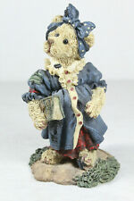 Boyds Bears Figurines: Momma McBear.Anticipation