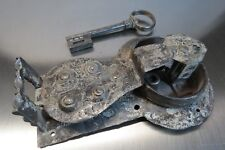 Antikes Katzen- Truhenschloss mit Schlüssel 16/1700Jh. Sammlerstück Lot: FE/17/9