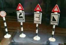 More details for vintage diecast gilco road signs railway cars trains ho oo gauge