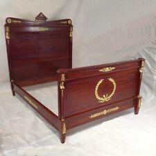 Empire Bett Mahagoni vergoldete Beschläge Design Liege Einrichtung Schlafzimmer